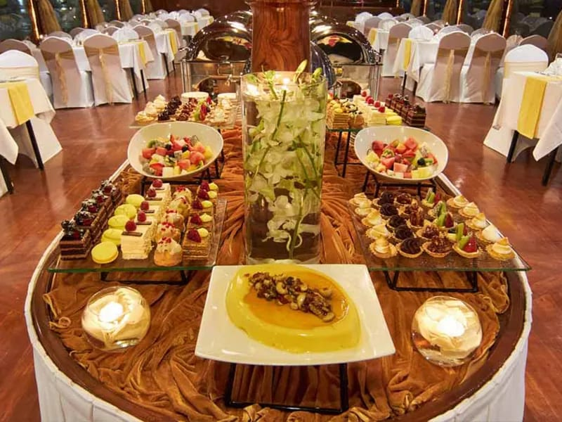 CORPORATE CRUISE WITH FIVE STAR CATERING IN DUBAI