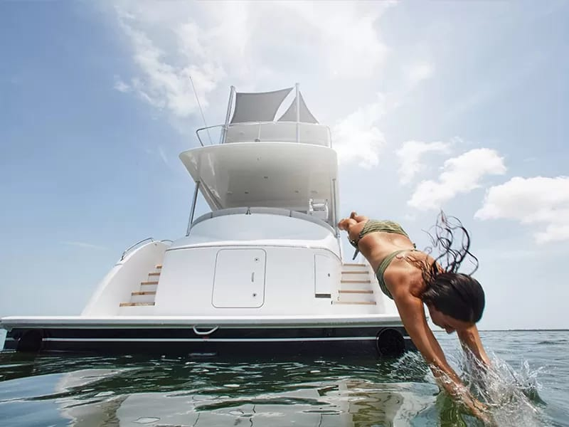 luxury yacht dubai