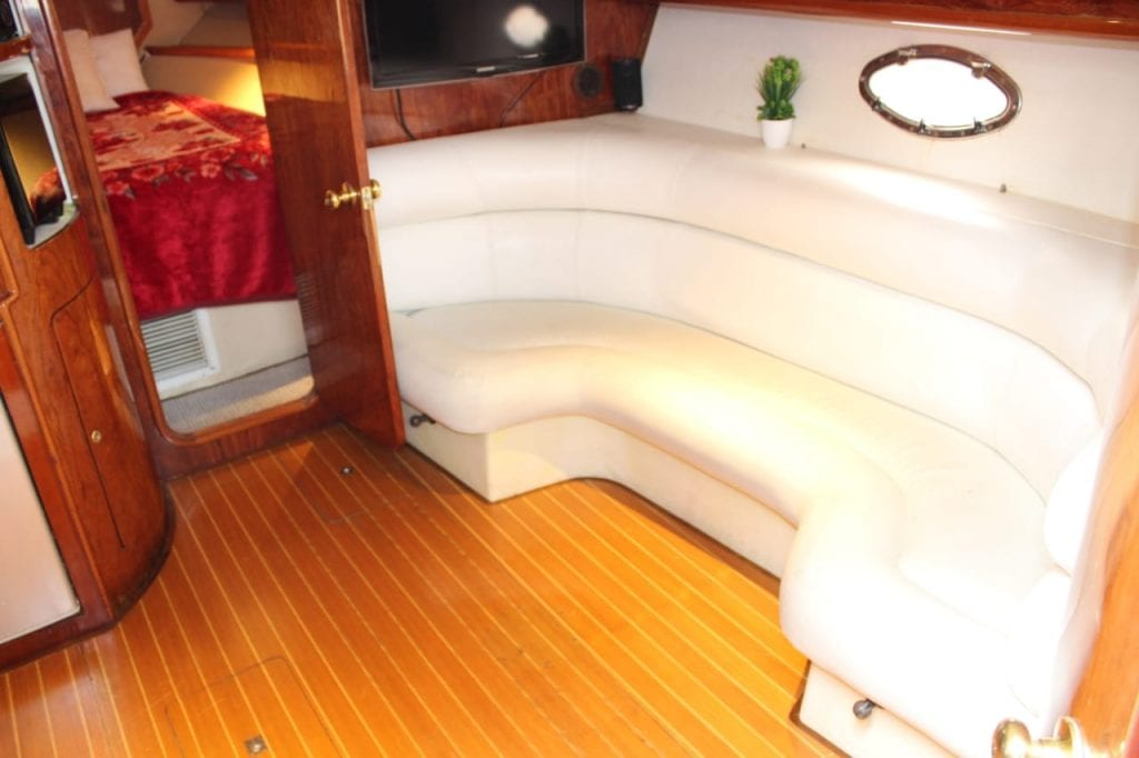 private charter yacht dubai
