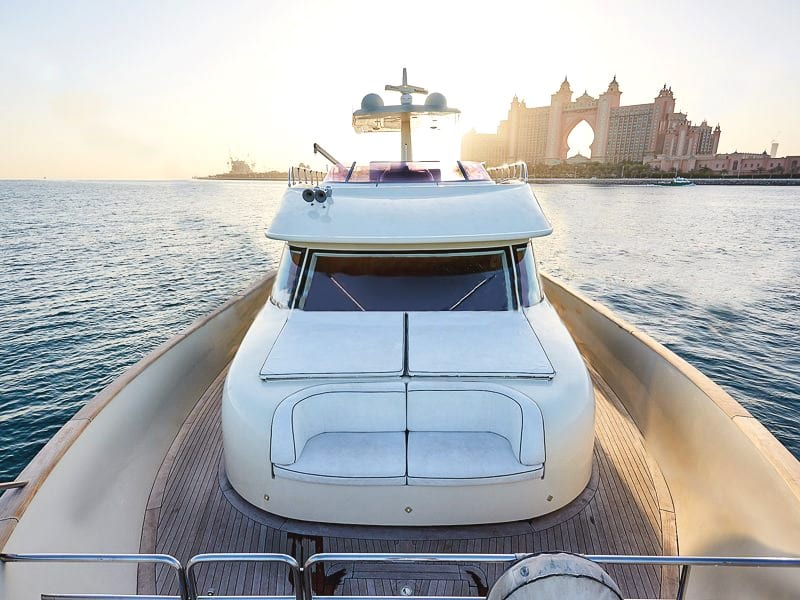 private yacht dubai