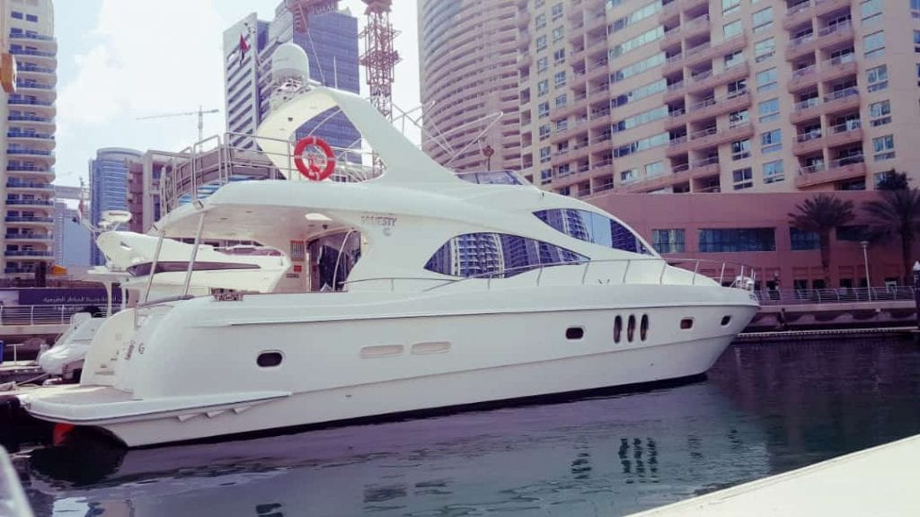 private charter boat dubai