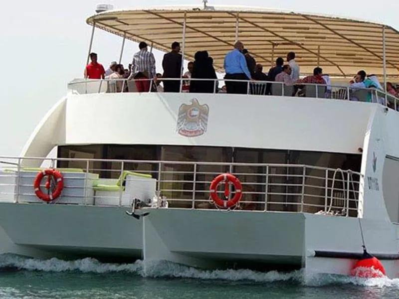 private luxury yacht dubai